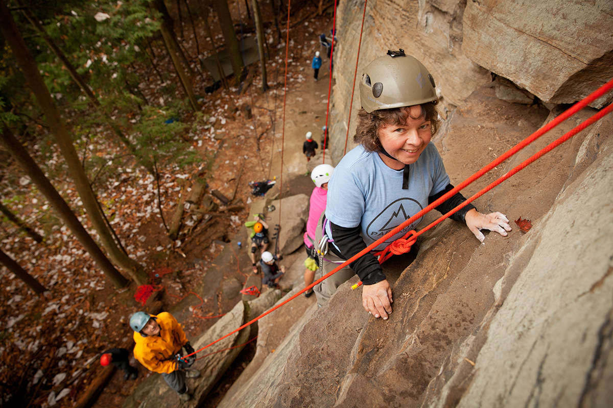 Climbers on the wall on the Red River Gorge Trip in 2015