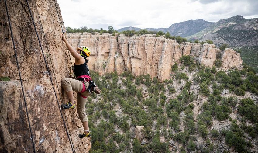 Esha Climbing in Shelf Road 2019.